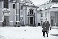 verliefde koppel sneeuw Praag