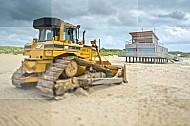 Bulldozer strand Reddingsbrigade Ouddorp